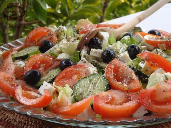 Ensalada griega de queso feta 2
